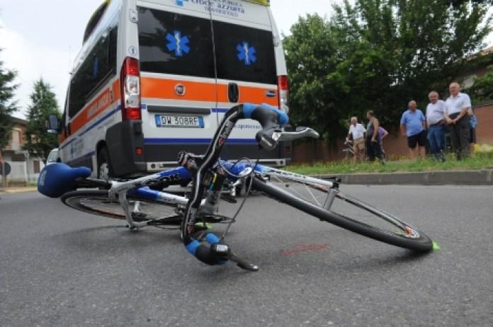 Tragica fatalità nel Cilento: cade dalla bici e muore