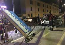 Incidente Castellammare di Stabia: auto contro un palo