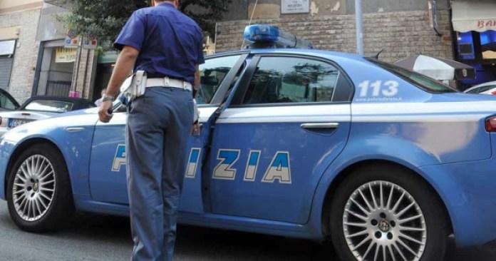 Ischia, arrestata 21enne: perseguitava il fidanzato