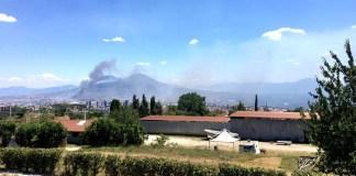 Incendio a Pozzuoli: la periferia avvolta dalle fiamme