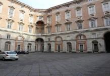 Reggia di Caserta, una donna muore suicida
