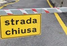 Posillipo, strada chiusa al traffico: pericolo crollo alberi