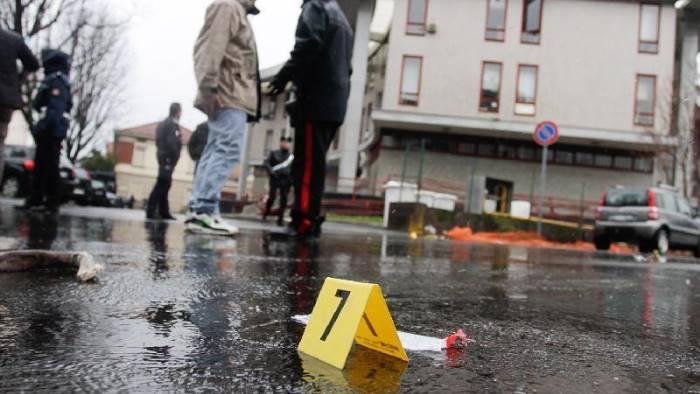 Napoli, il figlio di un boss ucciso con 10 colpi di pistola