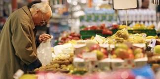 """Arriva la """"Spesa sospesa"""" per le famiglie meno fortunate"""