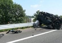 Asse Mediano, incidente stradale: impatto contro il guard rail