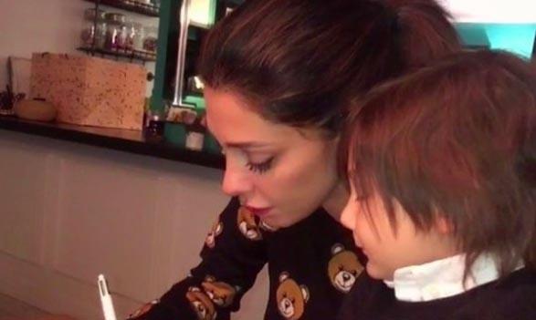 Andrea Iannone e Belen Rodriguez fanno sesso nel camerino di un negozio