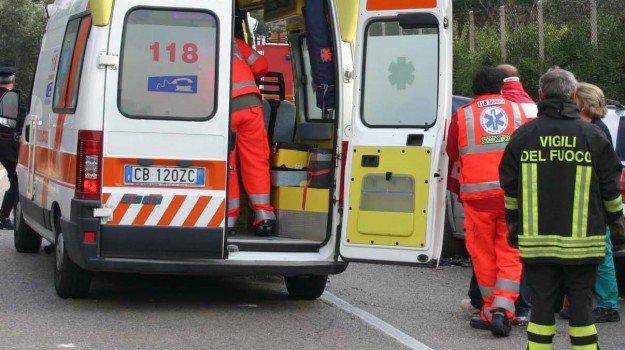 Incidente stradale, un morto e quattro feriti gravi