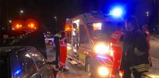 Incidente a Villaricca: schianto violento contro una rotonda