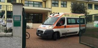 Napoli, choc al liceo: studente tenta il suicidio