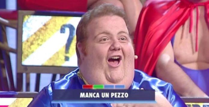 """Francesco Nozzolino, la star di """"Avanti un altro"""", aggredito a Napoli"""