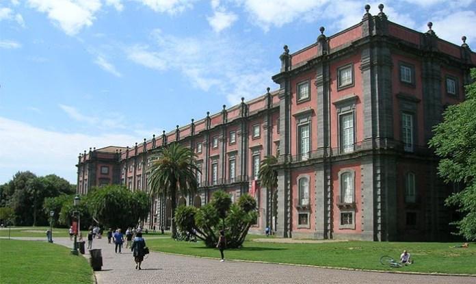 Il direttore del Museo e Real Bosco di Capodimonte regala un campo da rugby