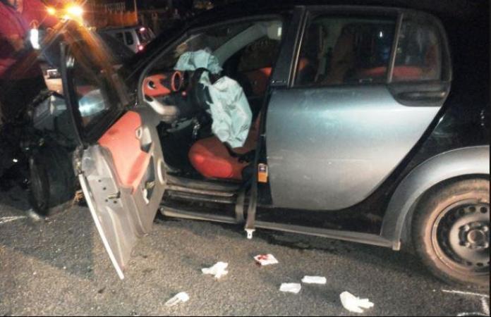 Incidente ad Arzano: morto il giovane conducente della Smart
