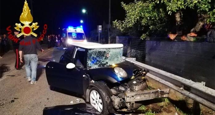 Incidente ad Atripalda: 89enne alla guida finisce contro un palo