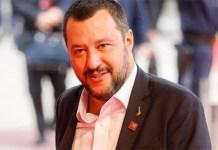 """Matteo Salvini presto a Napoli: """"spuntano scritte oscene"""""""