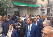 """Matteo Salvini, i support napoletani: """"fratè ci hanno dato 20 euro"""""""