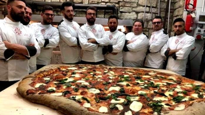 Campania da record: ecco la pizza più grande del mondo