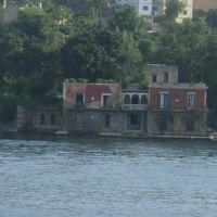 edificio-sotto-il-castello-di-baia