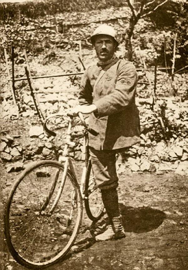 Foto storica di Enrico Toti.