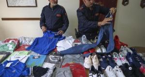 Oltre 600 capi di abbigliamento contraffatti sono stati sequestrati