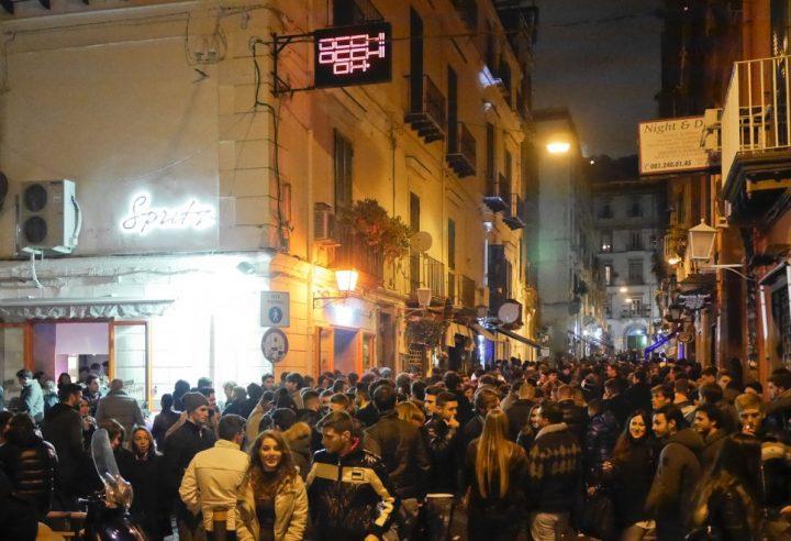 Napoli, omicidio al pub nella Riviera Chiaia