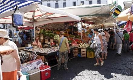 Commercio su aree pubbliche a Napoli  Il Comune rilascia i titoli di occupazione suolo ad altri 400 operatori