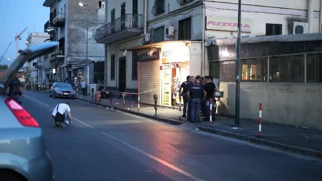 Napoli, 300 rom nella caserma Boscariello: protesta a Miano