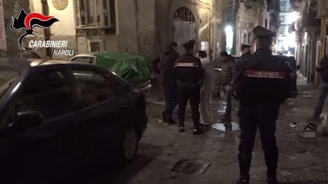 Colpo al nuovo clan dei Quartieri Spagnoli: 19 arresti all'alba