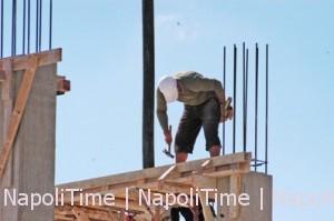 lavoratore-in-un-cantiere-edile