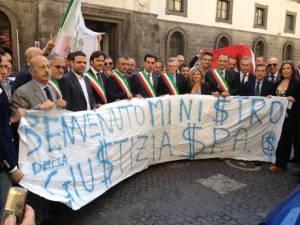 Giustizia: sindaci e avvocati protestano a Napoli