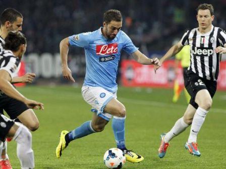 Higuain-Bonucci_Napoli-Juve