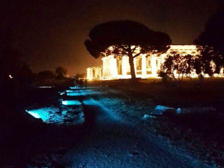 Paestum notte