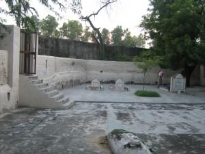Graveyard Sayyid Noor Muhammad