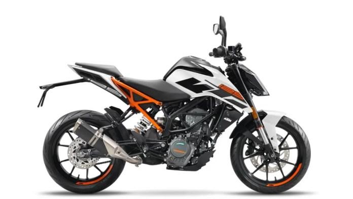 2021 KTM Duke 125 White