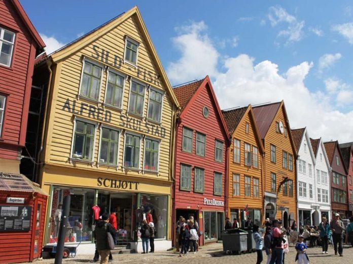 Bergen e Alesund. Il racconto sulle due belle città norvegesi immerse nella natura dei fiordi.