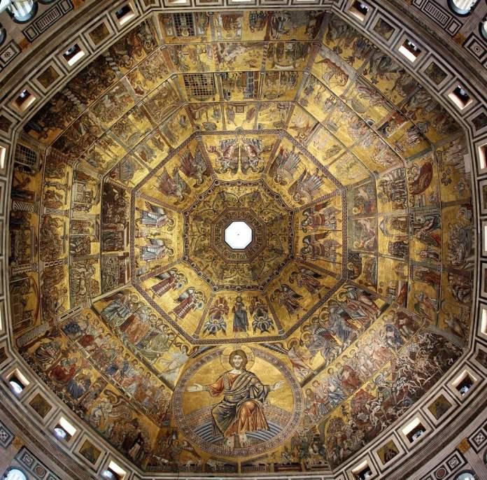 Il mosaico interno della cupola del Battistero di Firenze con i mosaici realizzati a cavallo fra il XIII e il XIV sec.da maestranze vicine a Coppo di Marcovaldo
