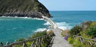 Procida. Celebriamo la capitale italiana della cultura 2022 con uno speciale Webinar dedicato a Procida e alle isole del Golfo di Napoli.