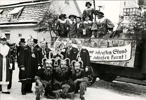 Beim Narrentreffen der VSAN in Rottenburg 1952.
