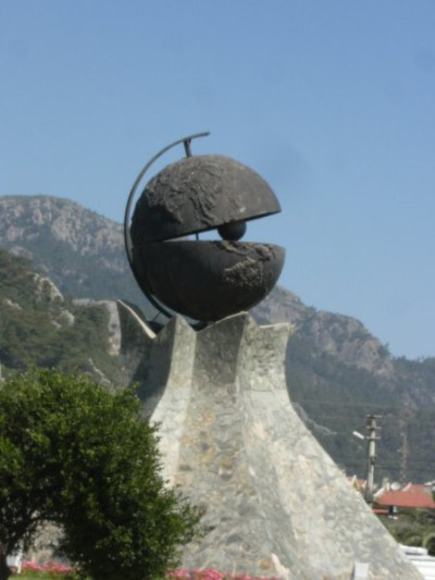 marmaris-pacman-heykeli