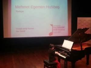 Mehmet Egemen Hızlıbaş piyano