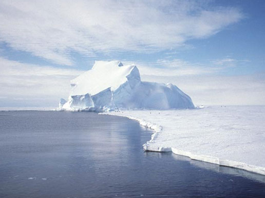 Image of the Riiser-Larsen ice shelf in December 1995