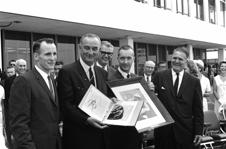 NASA - Leaders Visionaries and Designers