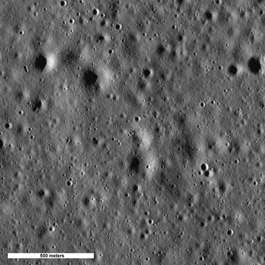 Fotografía de la sonda LRO del sitio donde alunizó el Apolo 15   NASA