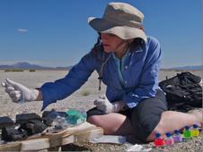 Felisa Wolfe-Simon processing mud from Mono Lake to inoculate media to grow microbes on arsenic