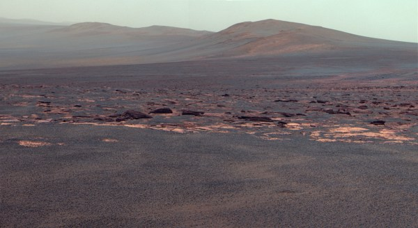 Mars Rover Reaches Giant Crater After 3-Year Trek | WIRED