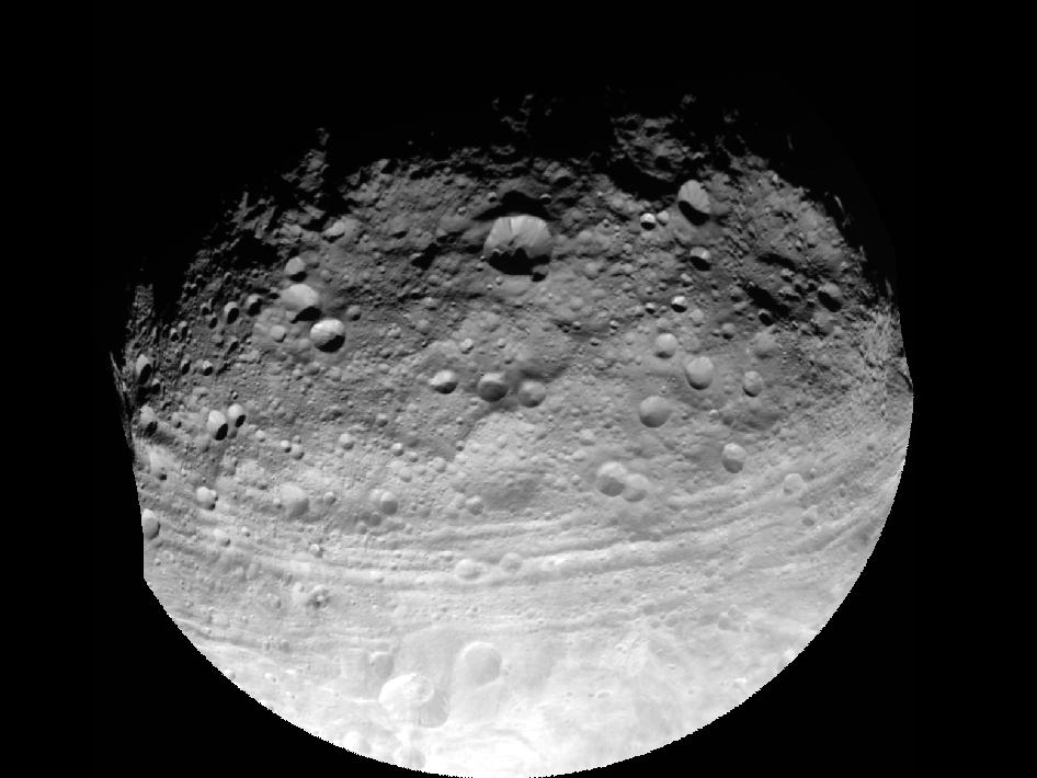 Vista completa del asteroide gigante Vesta
