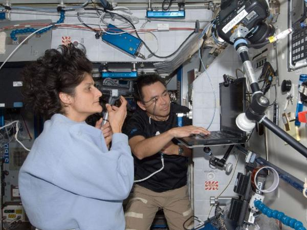 NASA - Suni Williams and Aki Hoshide