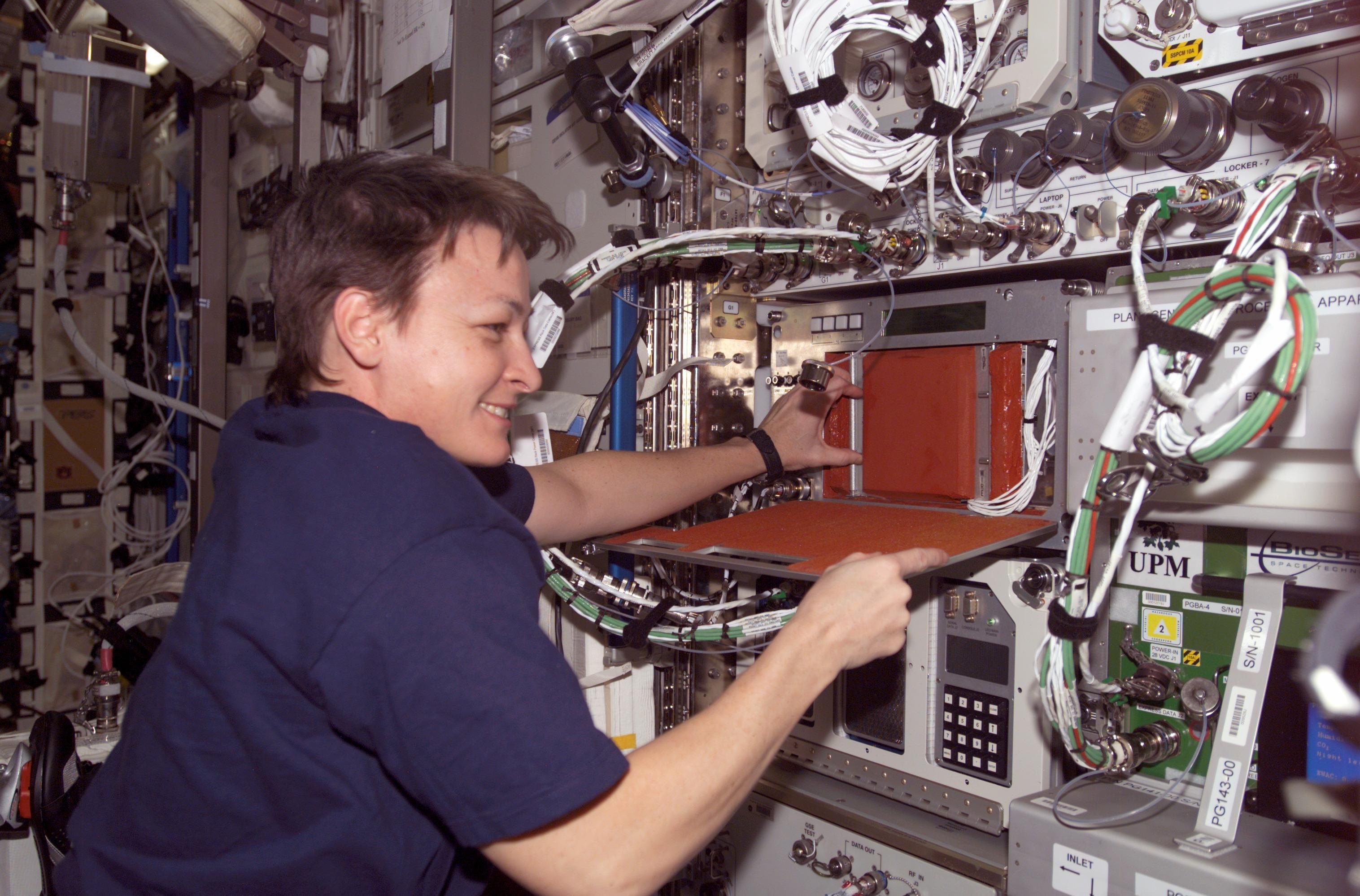 astronaut space radiation - photo #20