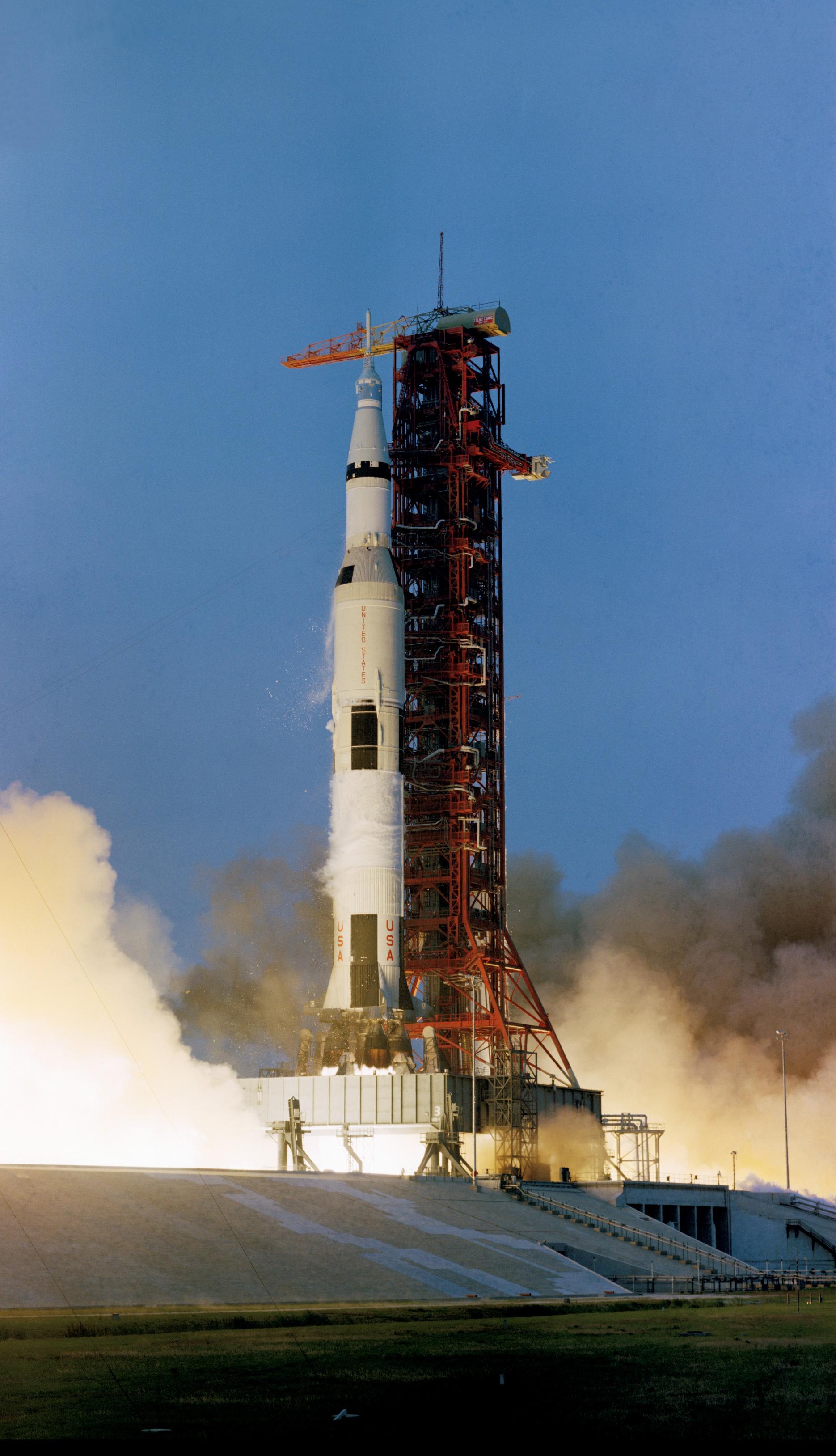 """Résultat de recherche d'images pour """"apollo 13 launch"""""""