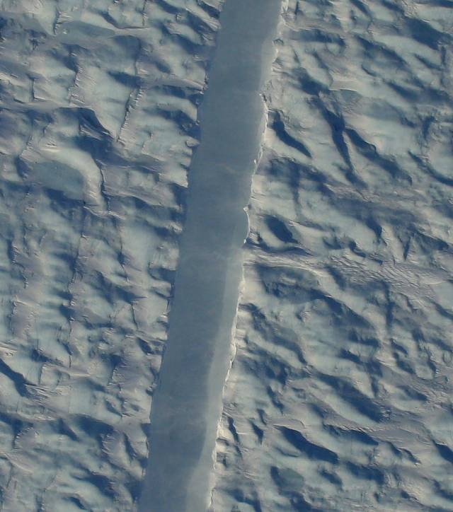 A new crack in Petermann Glacier.