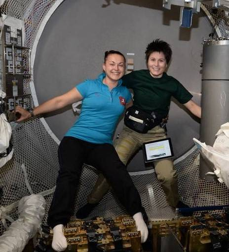 exp_42_cristoforetti_and_serova_in_atv-5